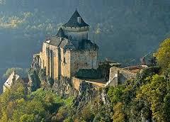 La Dordogne compte d'innombrable châteaux médiévaux dont certains sont parfaitement conservés