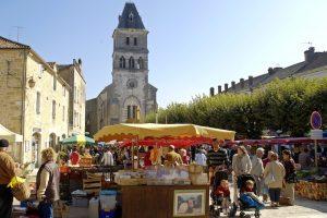 Retrouvez tous les marchés de Dordogne Périgord afin de profiter des meilleurs produits locaux