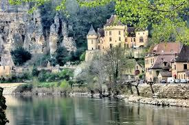 La Dordogne et le Périgord Noir sont célèbres pour abriter de nombreux villages reconnus comme étant les plus beaux de France