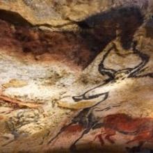 les hommes préhistoriques ont peint et gravés des urochs les ancêtres des taureaux qui ont été reproduit à l'identique dans le nouveau Lascaux