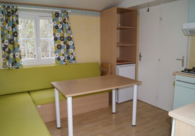Le salon du mobile calvi est spacieux et confortable