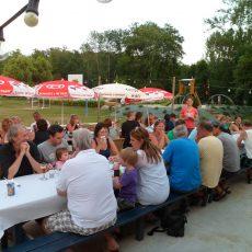 Tous les jeudis soir en juillet aout, le camping organise un repas suivi d'un sprectacle et d'un concert