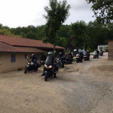 Les groupes de motards sont accueillis au camping 3 étoiles le Douzou en Dordogne Périgord Noir près de Sarlat la Caneda
