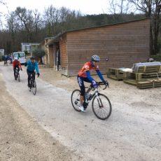Les groupes de sportifs bénéficient d'offres personnalisées avec la demi pension au camping le Douzou en Dordogne Périgord Noir