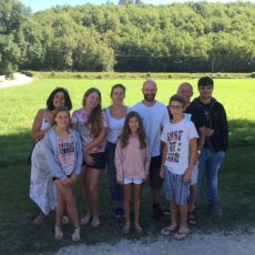C'est une ambiance familiale qui règne au camping le Douzou en Dordogne Périgord Noir