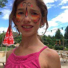 Tous les enfants peuvent participer aux animations gratuites comme le maquillage au camping en dordogne périgord noir près de Sarlat