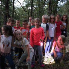 Au camping familial le Douzou en Dordogne Périgord Noir, de grands jeux sont organisés pour les enfants et les adolescents