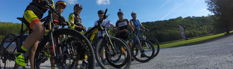 Le camping 3 étoiles le Douzou en Dordogne Périgord Noir fera le bonheur des sportifs, course à pied, VTT, randonnées, terrains de sport et piscines chauffées...