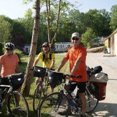 Le camping 3 étoiles Le Douzou en Dordogne Périgords Noir est un point de départ pour de nombreuses randonnées en vélo