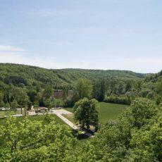 Le camping calme en dordogne périgord noir le Douzou est situé en pleine nature, où que vous soyez vous pourrez profiter d'une magnifique vue