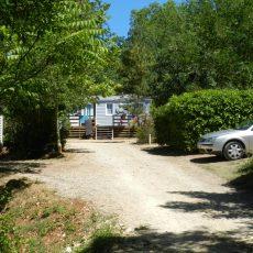 Vous pourrez loger dans l'un de nos 18 mobiles home, 2 ou 3 chambres pouvant accueillir de 4 à 8 personnes en Dordogne Périgord Noir