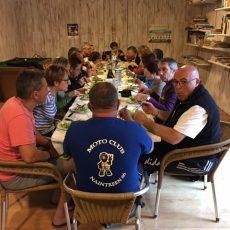 Le camping Le Douzou en Dordogne Périgord Noir accueille des groupes avec demi pension et petit déjeuner