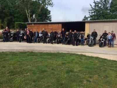 Le camping 3 étoiles le Douzou en Dordogne Périgord Noir près de Sarlat accueille les groupes tels que les motards, randonneurs, familles, collègues de travail, sportifs...