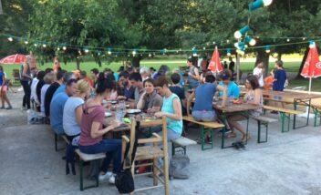 Des groupes de musique animent nos soirées repas chaque jeudi soir au camping en Dordogne Périgord Noir