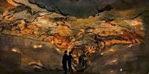 Lascaux 4 offre la reproduction intégrale de la grotte originelle