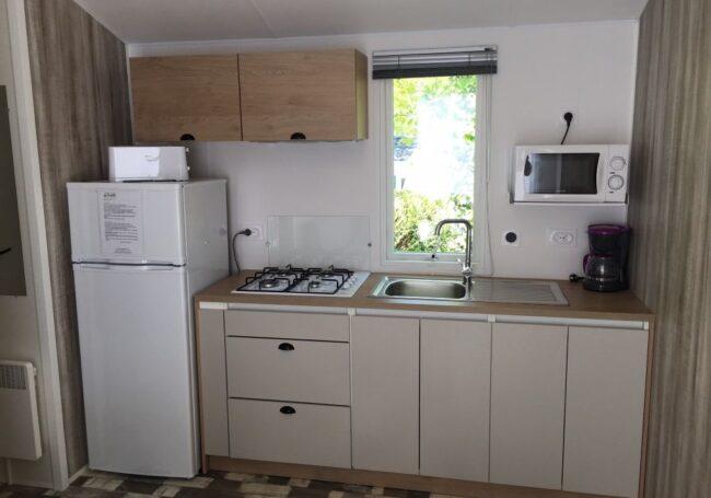 Cuisine mobile home Malaga camping Dordogne Périgord Noir 3 étoiles Le Douzou