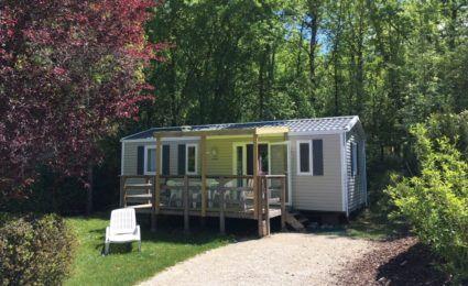 Mobile home Bermudes 6/8 personnes, télévision et terrasse couverte, camping Dordogne Périgord Noir 3 étoiles le Douzou