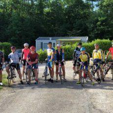 groupe cyclistes camping perigord