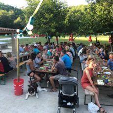 soirée conviviale repas spectacle camping perigord