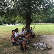 vacanciers heureux camping périgord