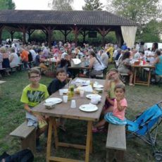 repas marché producteurs bouzic camping dordogne