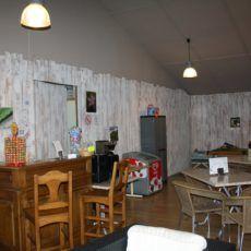 bar de la salle d'activité du camping 3 étoiles en Dordogne