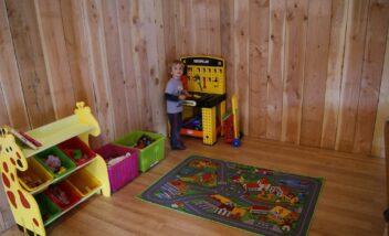 jouets pour enfants salle d'activité camping périgord