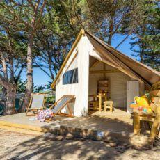 Tente lodge junior XL pour 5 personnes au camping en périgord noir.