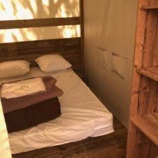 chambre lit double tente lodge dordogne junior xl camping 3 étoiles périgord