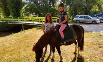 activité poney camping dordogne