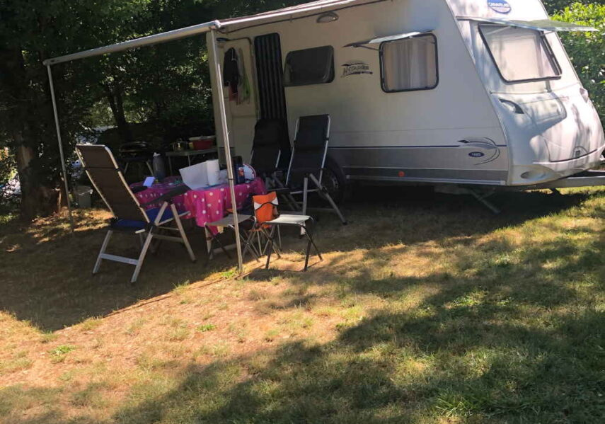 grand emplacement caravane camping dordogne
