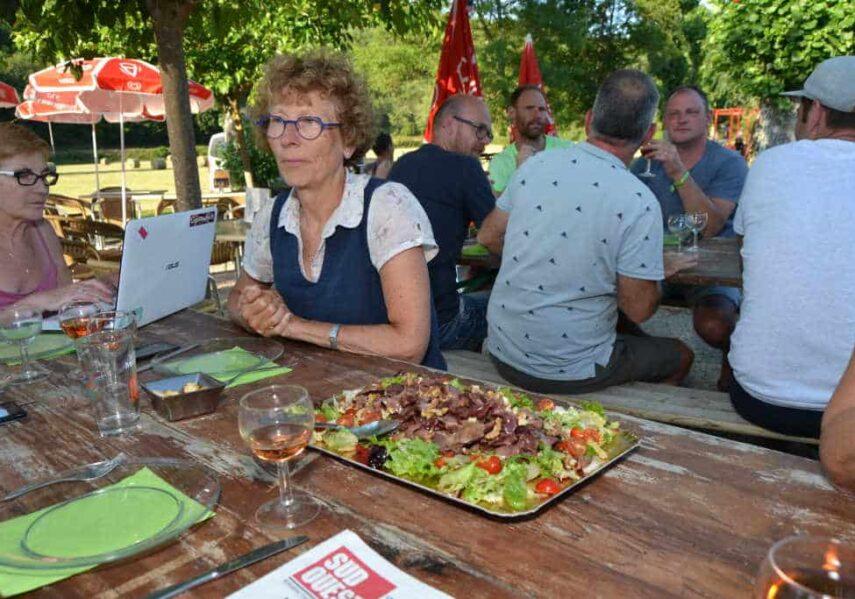 repas convivial camping dordogne 3 étoiles