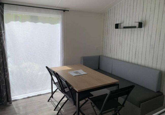 salon lumineux mobile home malaga trio camping dordogne le douzou