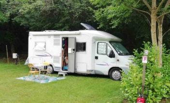 emplacements camping car bord riviere camping dordogne sarlat le douzou